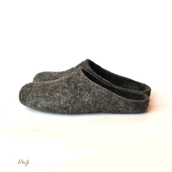 Eco Friendly Slippers: Eco Friendly Natural Grey Colour Handmade Felted Slippers