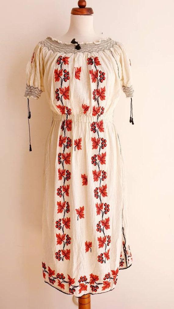 Vintage Romanian Peasant Dress - 1970's Embroider… - image 2