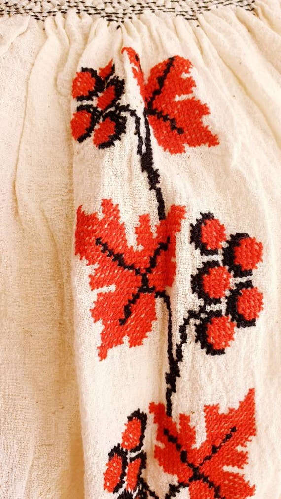 Vintage Romanian Peasant Dress - 1970's Embroider… - image 7
