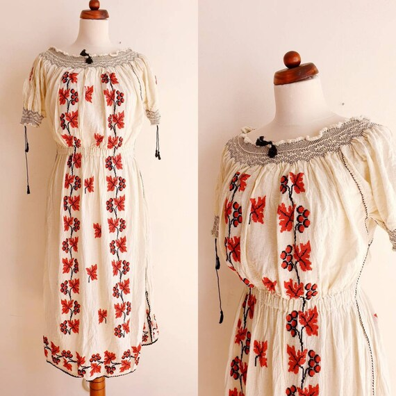 Vintage Romanian Peasant Dress - 1970's Embroider… - image 1