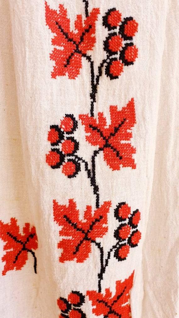 Vintage Romanian Peasant Dress - 1970's Embroider… - image 9