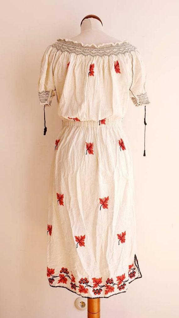 Vintage Romanian Peasant Dress - 1970's Embroider… - image 4