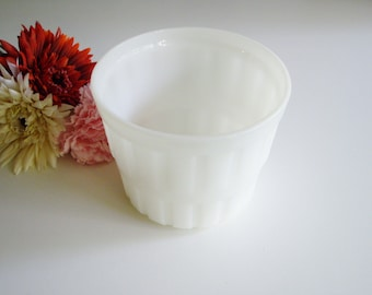 Vintage, Milk Glass, Large Planter, Barrel, Mid Century, Wedding Centerpiece, Potted Plant, White Glass, 5 inch pot, Country Kitchen