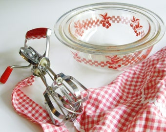 Vintage Pyrex, Mixing Bowl Set, Cherries, Gingham, 322, 323, Red and Clear, Pyrex Mixing Bowls, Bakeware, Cherry, Red Kitchen