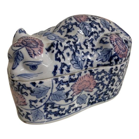1970s Asian Chinoiserie Cat Catchall Box