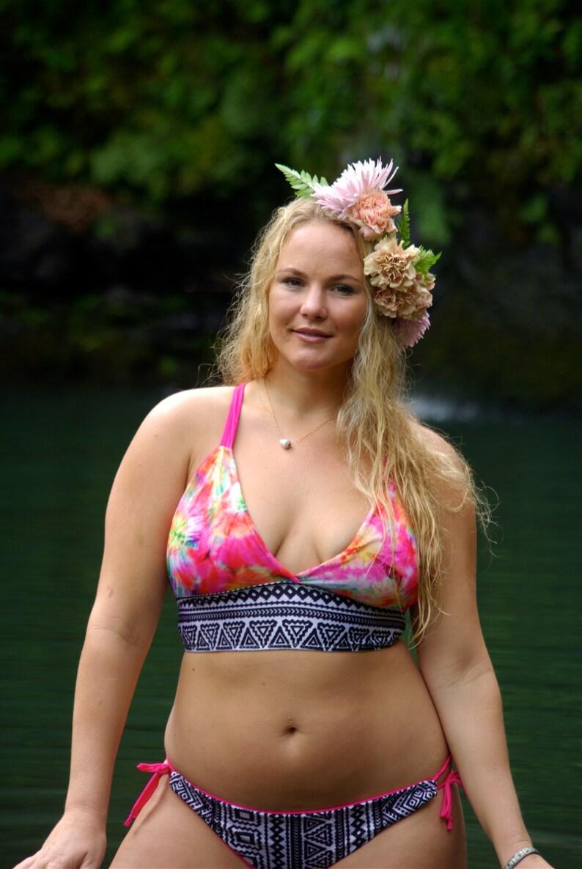 7dd954264d5ed CHUN S Halter Bikini PLUS Size Criss Cross Surf Top