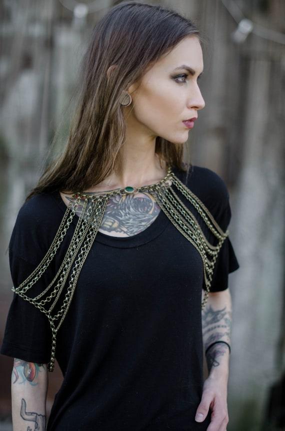 Tribal Chain Epaulet