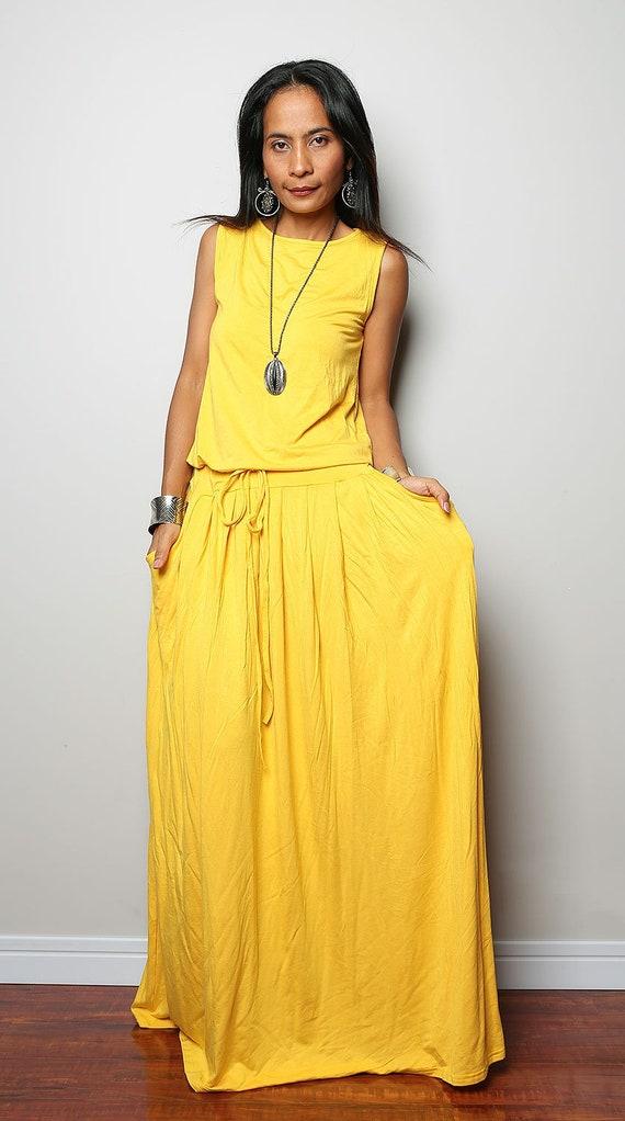 Large Yellow Sleeveless Maxi Dress | Plus size yellow holiday resort dress  | Dress with pockets : AUT9P