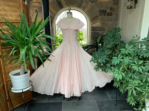 Vintage 1940s Pink and White Floral Cotton Organdy