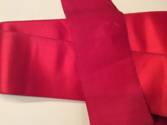 Vintage Holiday large ruban de Noel Satin rouge, RibbonVintage Vintage chapellerie chapeau rouge RibbonVintage rouge, ceinture ruban, ruban de ceinture rouge b96608