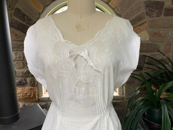 Antique White Cotton Nightgown Dress Attached Tie… - image 3