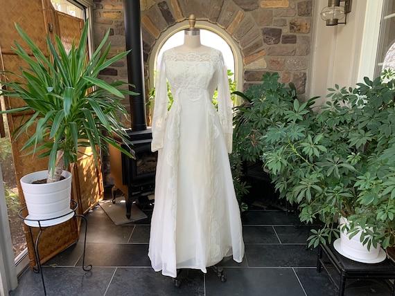 Vintage 1960s Ivory Nylon Chiffon and Lace Wedding