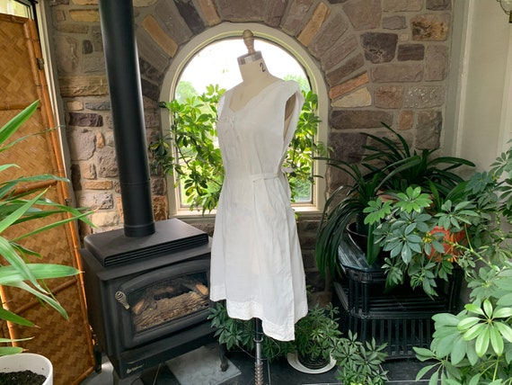 Antique White Cotton Nightgown Dress Attached Tie… - image 4