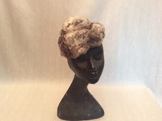 Vintage 1960s Soft Gray Fur Hat Betty & Rose Phil… - image 1
