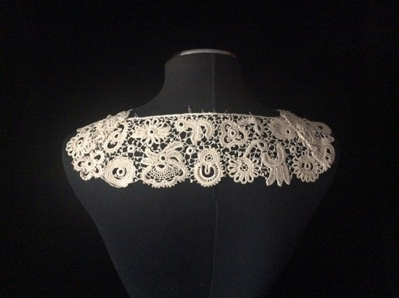 Antique Handmade Irish Lace Collar, Vintage Ecru … - image 2