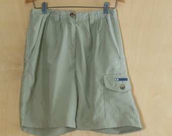 Vintage Fila High Waisted Shorts Quick Dry Walking Shorts Size 8 Khaki Cargo style Hiking Lightweight Cargo Long short Polyester Waist 26 27