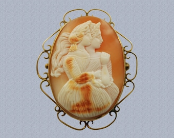 Antique Carved Shell Double Cameo Demeter and Persephone in 9 Karat Yellow Gold Setting Mother and Daughter Jewelry