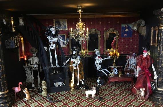 Miniature Vampires Masked Ball Roombox