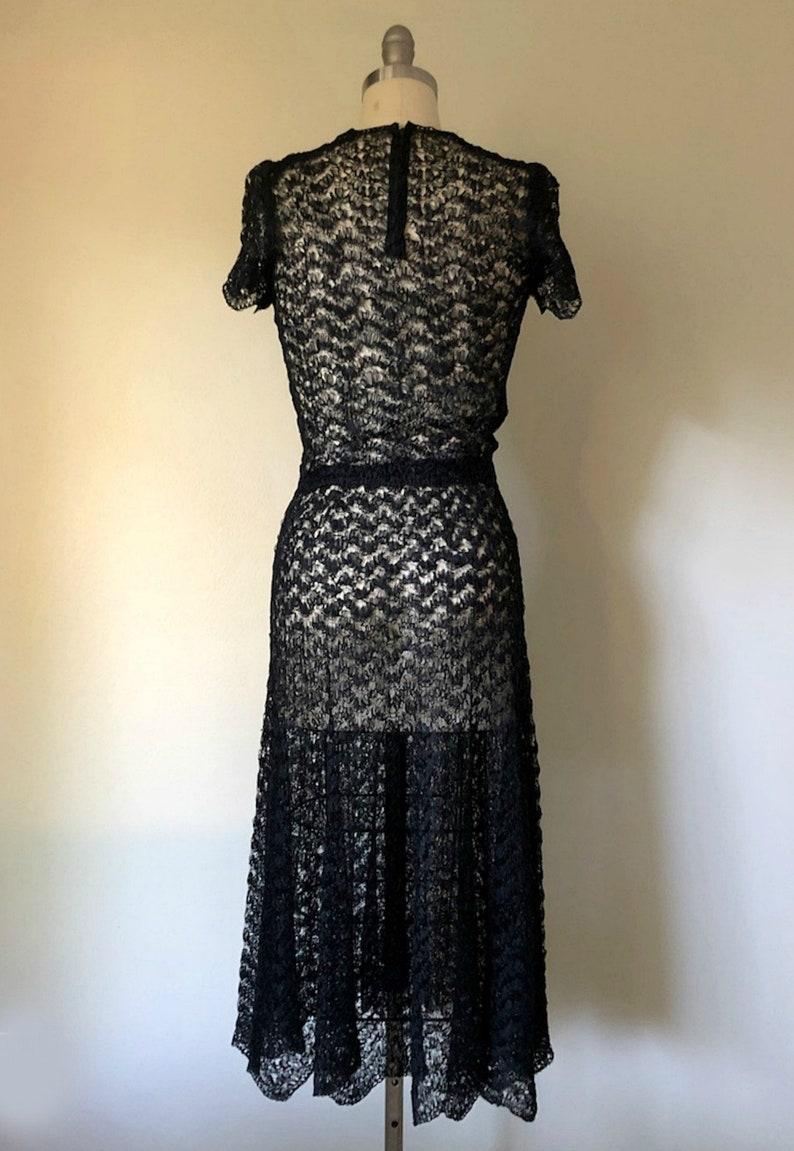 Vintage 1930s Dress \u2022 Elegante \u2022 Black Ribbon Early 30s Dress Scalloped Sleeves Size Medium