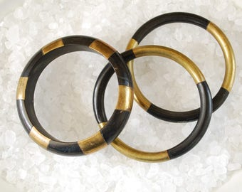 Vintage Smithsonian Institution Brass and Black Horn Bangle Bracelets with Card - Set of 3 - 1980's - Nagina India - Aditi Exhibit