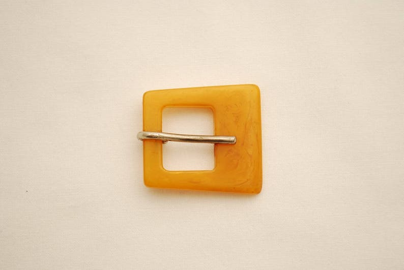 Sewing Notions Vintage Butterscotch Bakelite Classic Dress Buckle Repurpose Arts and Crafts 1940/'s Clothing Buckle Accent Buckle