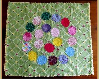 "Applique Mini Quilt Pattern, ""Retro Flowers"""