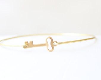 Vintage Brass Key Bangle, Key Bracelet, Charm Bracelet, Love Bangle, Key Jewelry