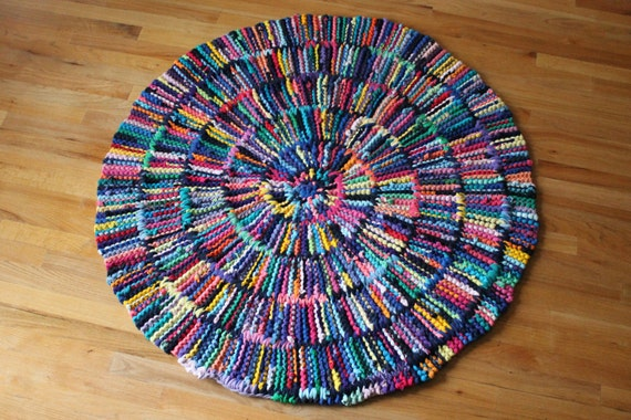 T Shirt Rag Rug Rainbow Circular Round Cottage Chic Log