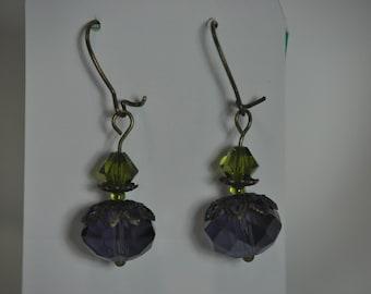 Purple earrings. Glass purple earrings. Amethyst Dangle earrings. Purple Jewelry. Plum Eggplant Earrings