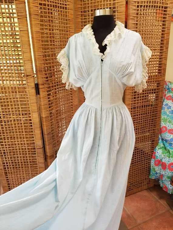 Incredible 1930s cotton dressing gown with train b