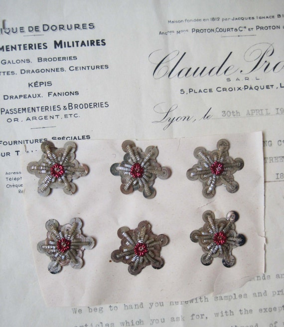 2 Antique Vintage Silver Metallic Bullion//Sequin Leaves