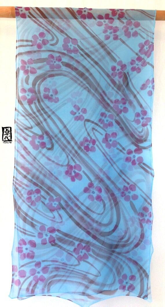6a9da8def563 Main peinte soie foulard foulard en soie bleu châle bleu   Etsy