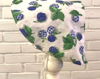 This SunBonnet for your little girl is so light and easy. Reversible too! Vintage pattern and vintage cottons.