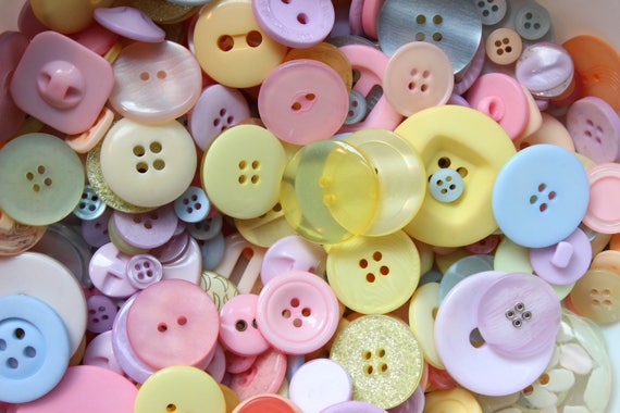 1KG PLASTIC BUTTONS PINK PLASTIC MIXED BUTTONS ASSORTED BUTTONS FROM 50G