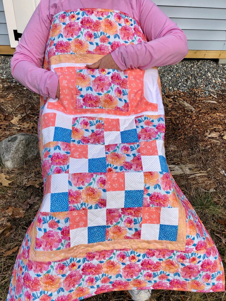 Peonies Lovie Lap Quilt with Pockets image 0