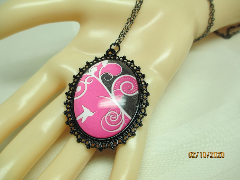Pink and Black Floral Glass Pendant Necklace