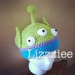 Alien Crochet Hat pattern PDF - DIY - newborn to adult sizes included in the pattern - Instant Digital Download