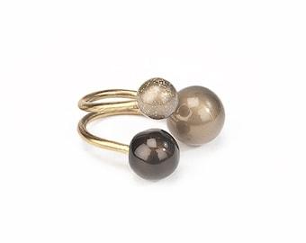 Ring Three customizable spheres