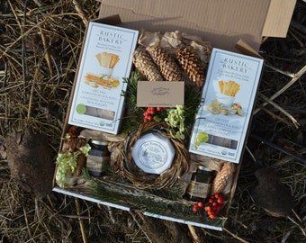 Artisan Foodie Gift Charcuterie Cheese & Crackers Gift Box Picnic Handcrafted Local Small farm Preserves Farm House Organic Camembert Cheese