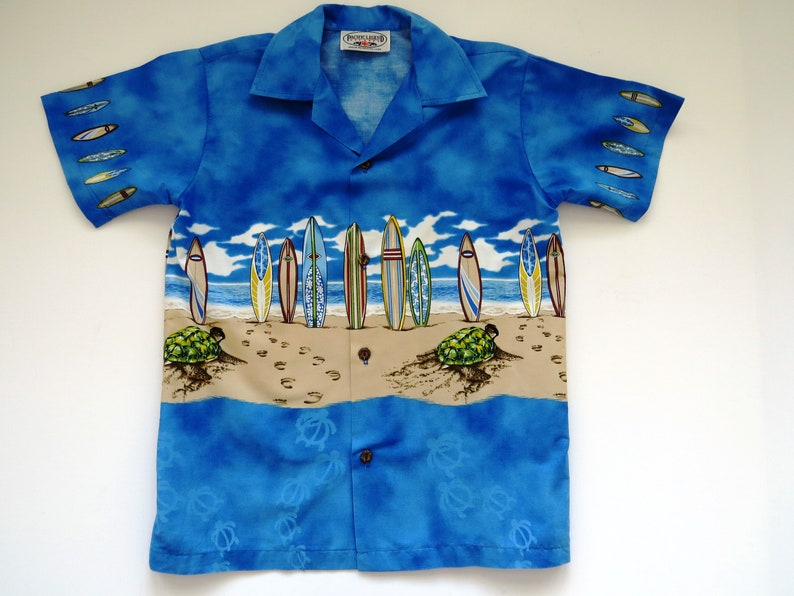 eb2aa80d Boys Hawaiian Aloha Shirt by Pacific Legend Size Medium | Etsy