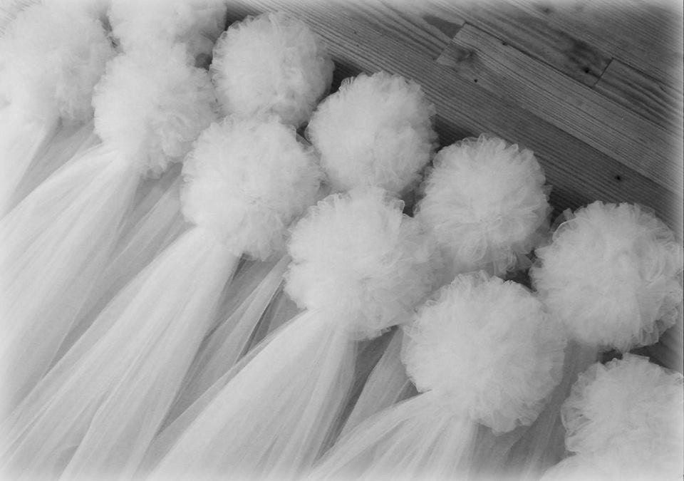 Tulle pew bows quinceanera church pew decor white pew bows etsy zoom junglespirit Image collections