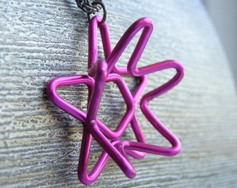 Star Flower Pendant in Fuchsia