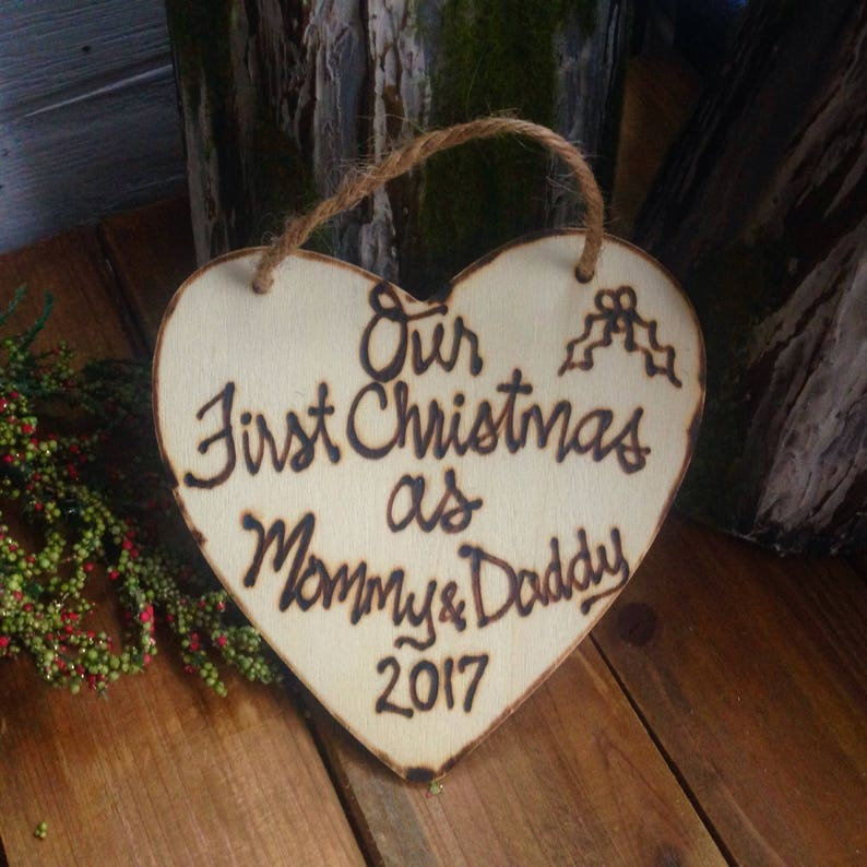 Ornament Neue Eltern Unsere Erste Weihnachtsgeschenk Als Mama Etsy
