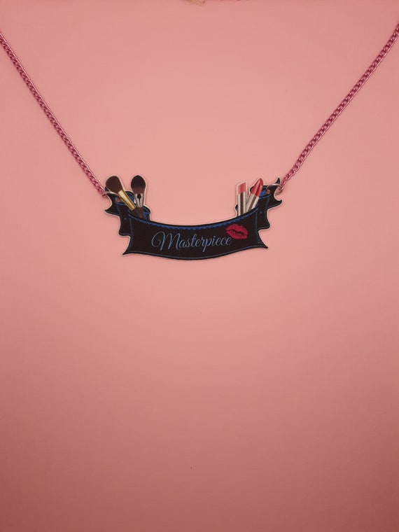 Curl Up /& Dye Banner Necklace