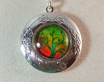 Picture Locket - Green Tree of Life on Red Background