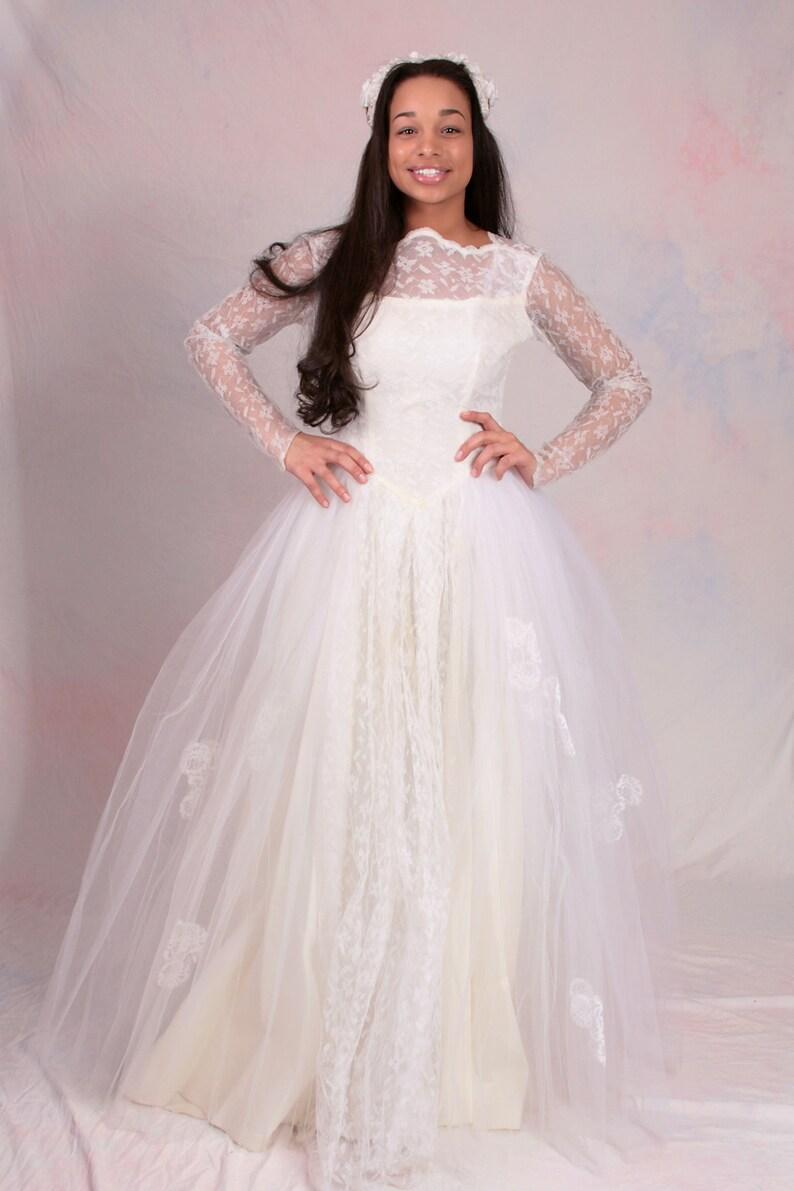2329127ce7d4 Vintage 1950's Wedding Dress Grace Kelly Style Long Sleeve   Etsy