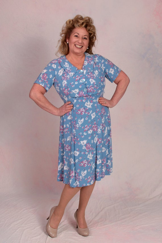 Vintage 1940's Rayon WWII Swing Floral Dress Size