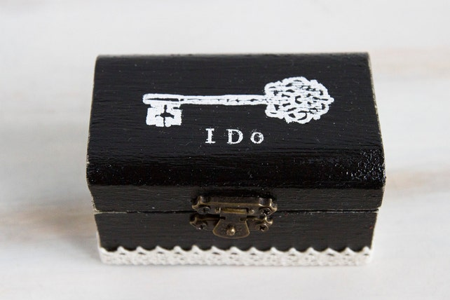 Black Ring Bearer Box Key Wedding box I Do ring box Personalized ring box Engagement box Rustic Ring Box Black wedding box Ring Holder