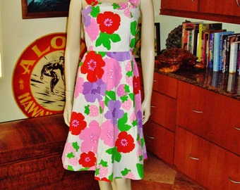 Vintage 70s  Hawaiian Dress by Malia Mod Flowers Pop Art Hawaiian Dress - S - The Hana Shirt Co