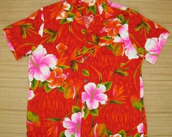 Mens Vintage 60s Royal Hawaiian Hibiscus Plumeria Aloha Shirt - L - The Hana Shirt Co